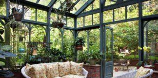 ruang bersantai di greenhouse